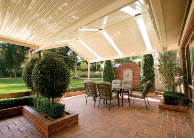 Outdoor living Colourbond roof Blue Mountains